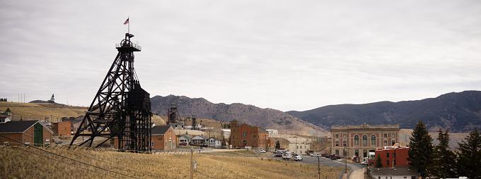istock Butte Montana Downtown City Skyline Mine Shaft Courthouse 697151670