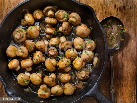 Butter and Garlic Mushrooms with Onions