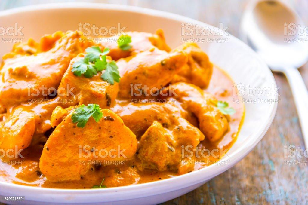 Pollo - pollo indio al Curry plato de mantequilla - foto de stock