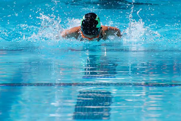 Nuoto a farfalla - foto stock