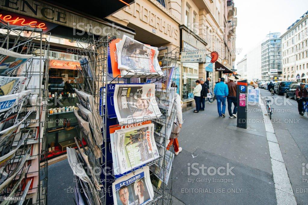 buying international press with Emmanuel Macron and Marine le Pen stock photo