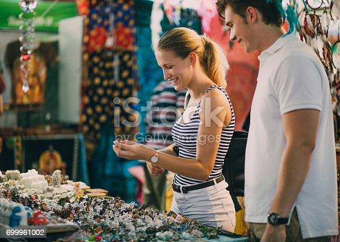 istock Buying Jewellery At Queen Victoria Market 699961002