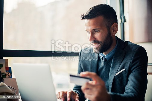 istock Buying on the internet 627344366