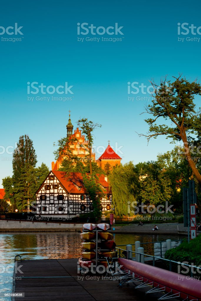 Bydgoszcz St. Martin and St. Nicholas Cathedral and Mill Island - Royalty-free Amphitheater Stock Photo