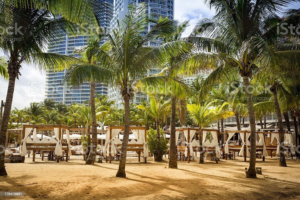 Cabana huts at a South Beach resort in Miami foto
