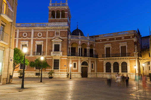 Cabildo de Valencia Church at night