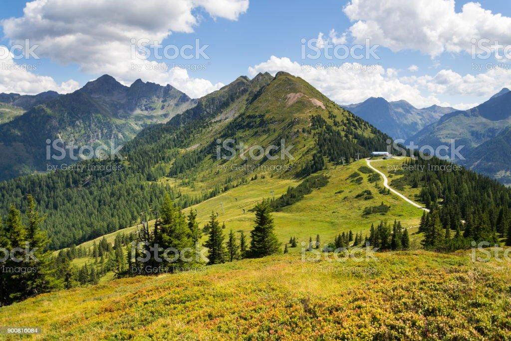 Seilbahn-Bergstation am Planai Bike und Ski areal in Schladming, Österreich – Foto
