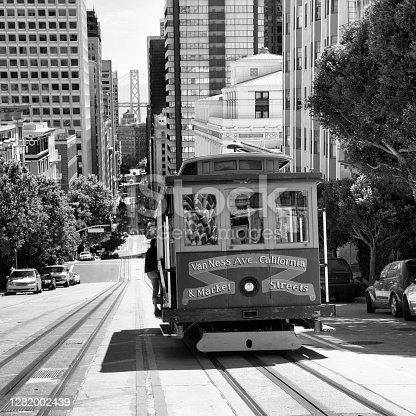 Cable Car, California Street, San Francisco. USA.