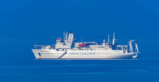 kabelverlegung schiff asean-restaurator - kabelkanal weiß stock-fotos und bilder