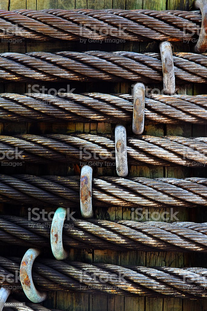 Cables Wrapped Around Pier Post foto de stock royalty-free