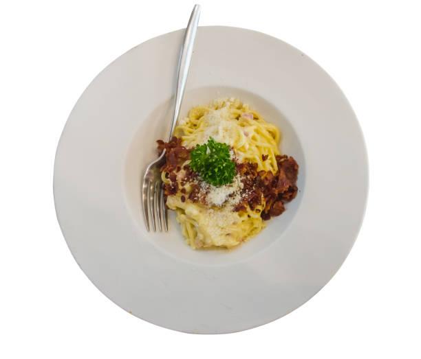 unverschmutzten mit gebratenen schinken und käse - pasta cabonara stock-fotos und bilder
