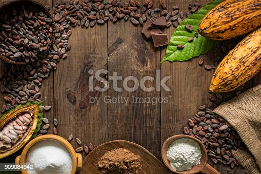 istock Cacao composition with copy space 909084942