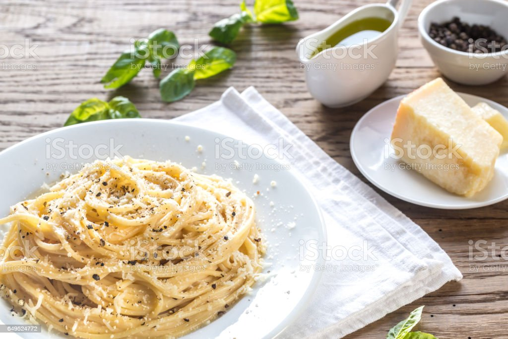 Cacio e Pepe - spaghetti with cheese and pepper stock photo