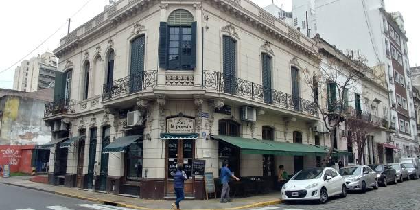 Un café en el barrio de San Telmo en Buenos Aires, Argentina - foto de stock