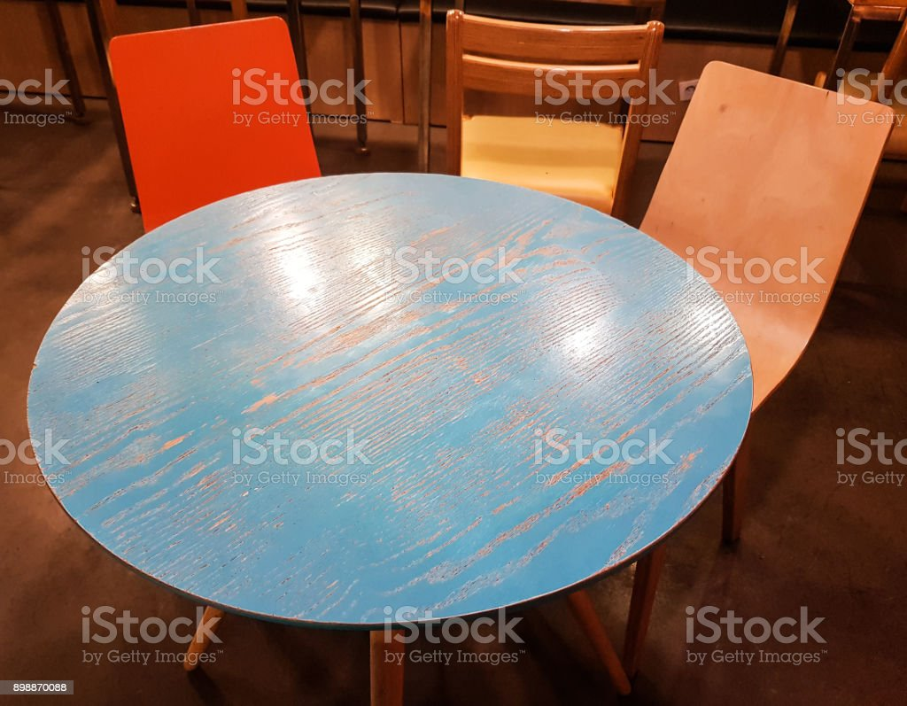 cafe circle table view