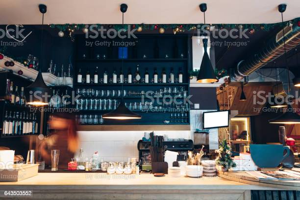 Cafe interior with bar counter picture id643503552?b=1&k=6&m=643503552&s=612x612&h=x8hdutczjblos wr0kukg3yk6ofuidavrc wclizod4=