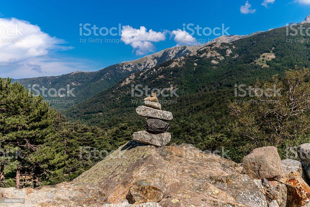Cairn on GR20 hiking trail in Corsica - 1 royaltyfri bildbanksbilder