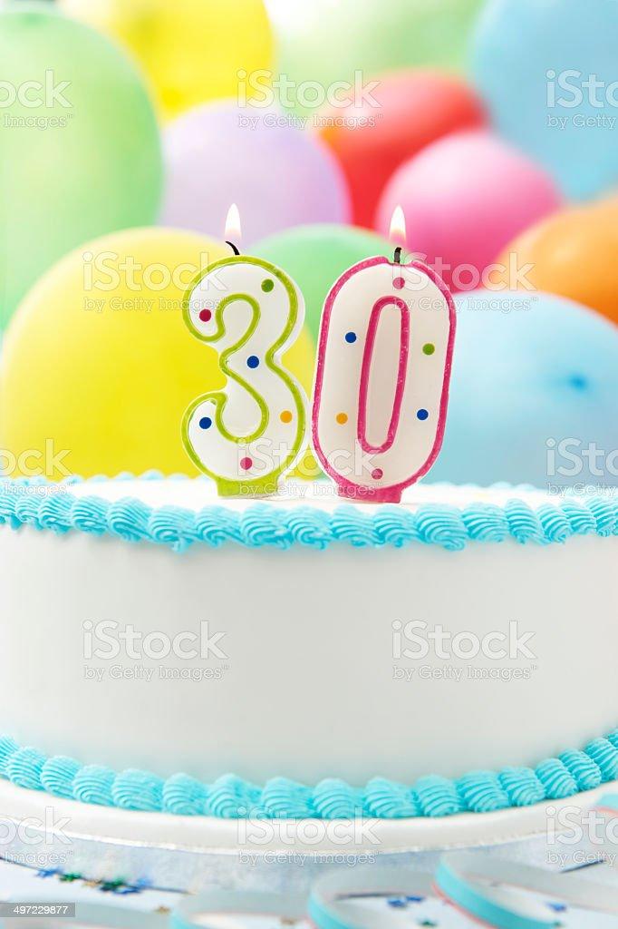 Celebración de cumpleaños pastel de 30 - foto de stock