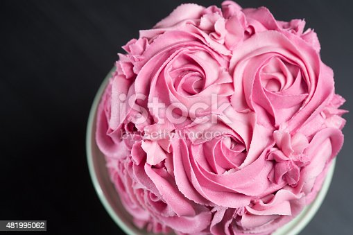 istock Cake decorated with pink roses 481995062