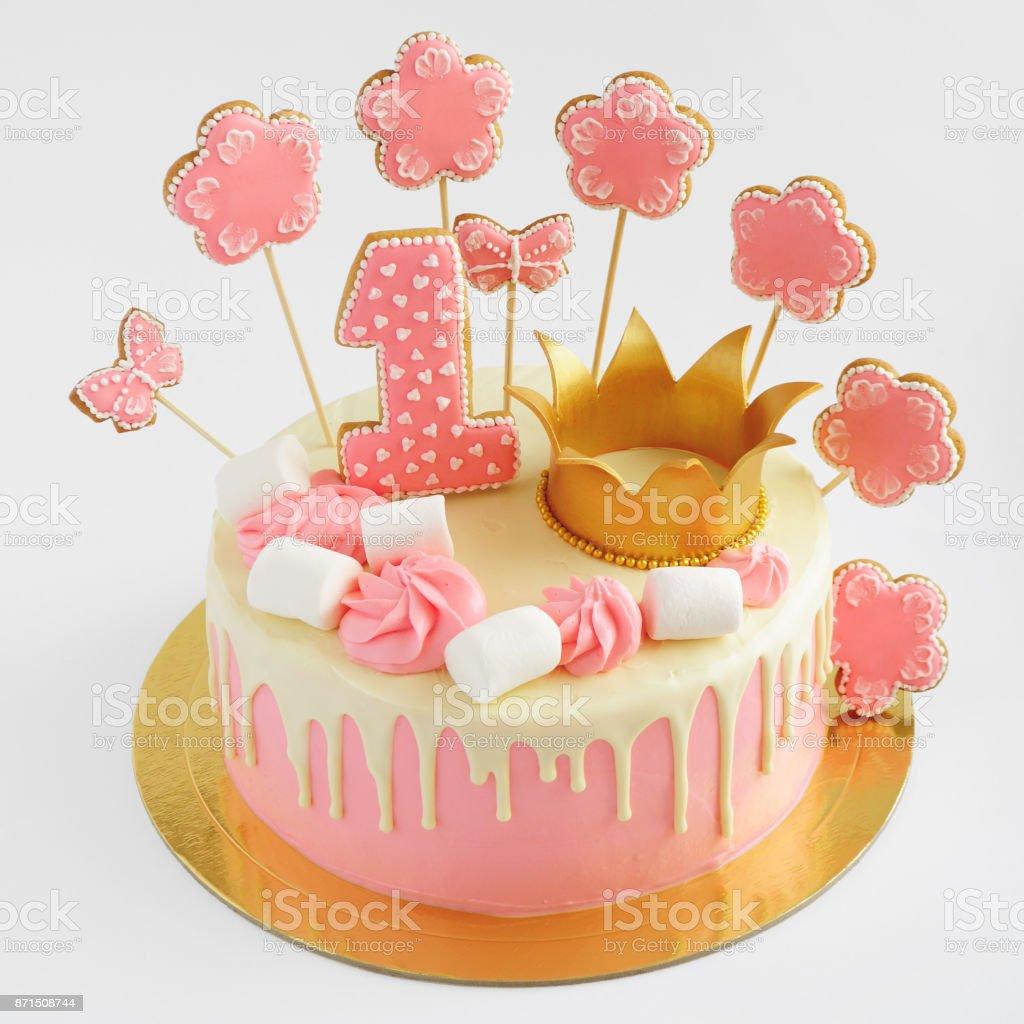 Torta Para Niña Con Rosa Crema Chocolate Blanco Había Decorado Con Malvavisco Corona De Oro Melindres De Galletas En Forma De Mariposa Número Uno Y
