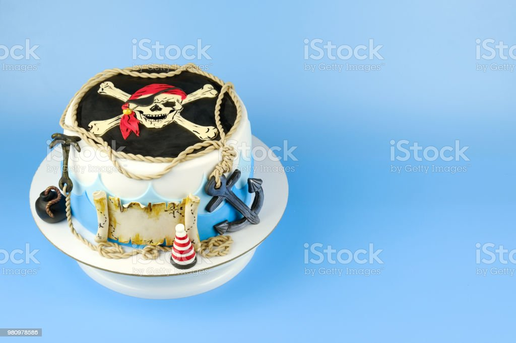 Pleasing Cake For The Childs Birthday On A Pirate Theme Decorated With Sea Funny Birthday Cards Online Alyptdamsfinfo