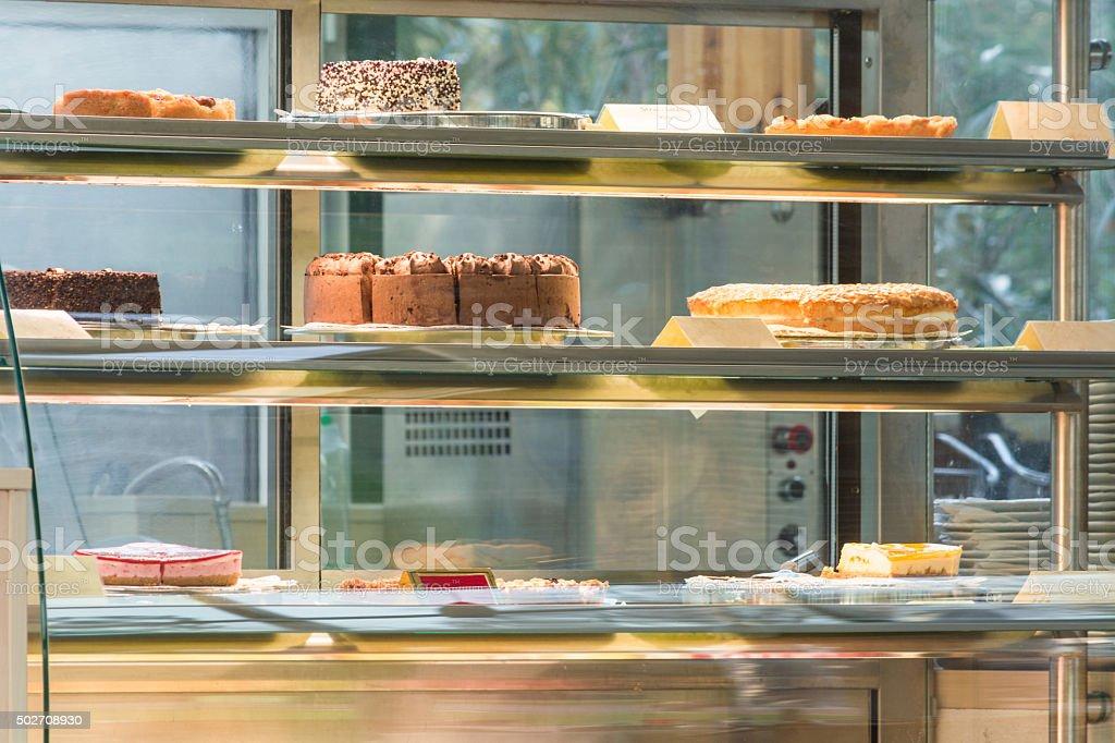 Cake in a glass case foto