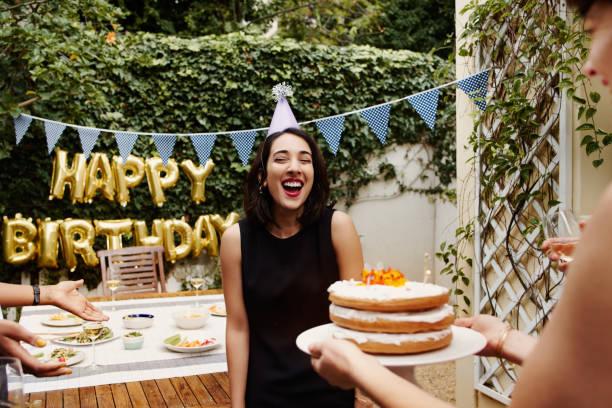 cake! - balão enfeite imagens e fotografias de stock