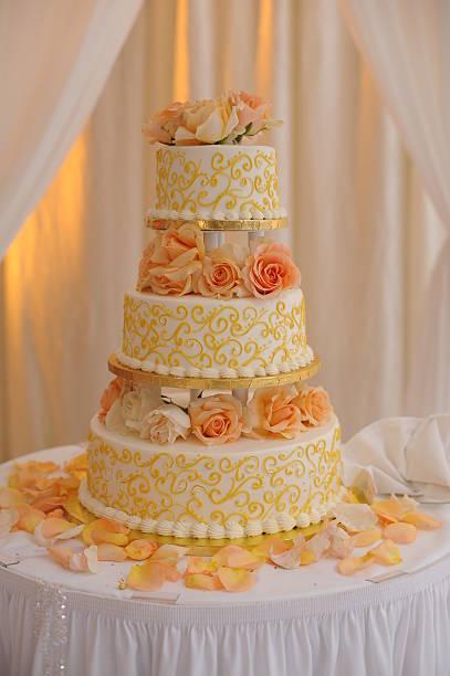 cake - orange hochzeitstorten stock-fotos und bilder