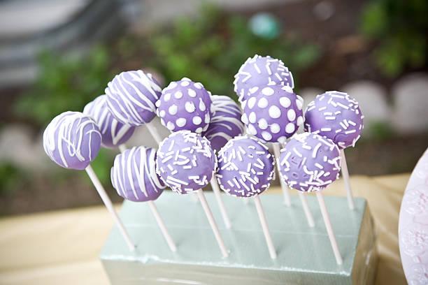 cake pops - brautparty kuchen stock-fotos und bilder