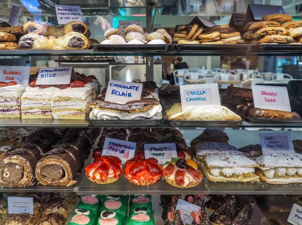 Kuchen-Schaufenster. Kuchen-Vitrine. – Foto