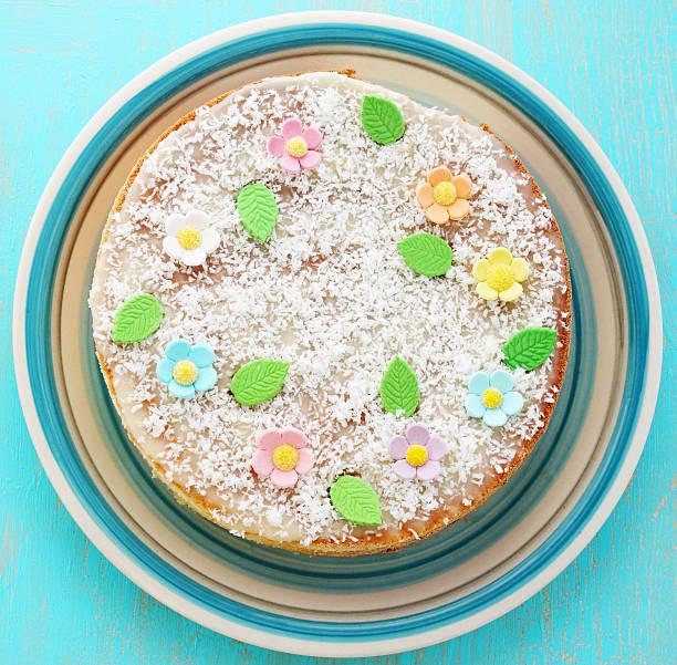 kuchen, ansicht von oben - kokoskuchen stock-fotos und bilder