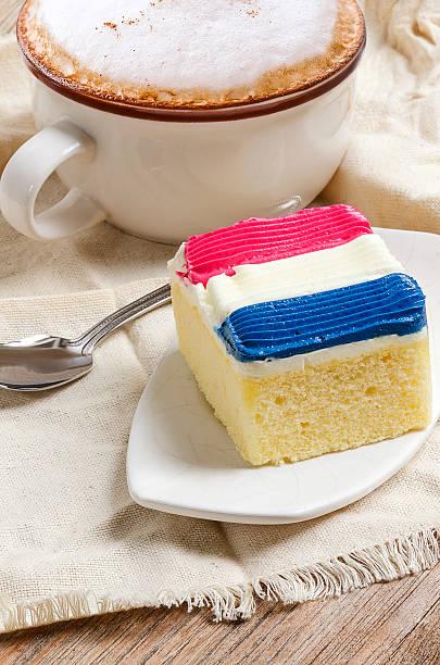 Gâteau garniture en couleur de garniture de crème drapeau de la france - Photo