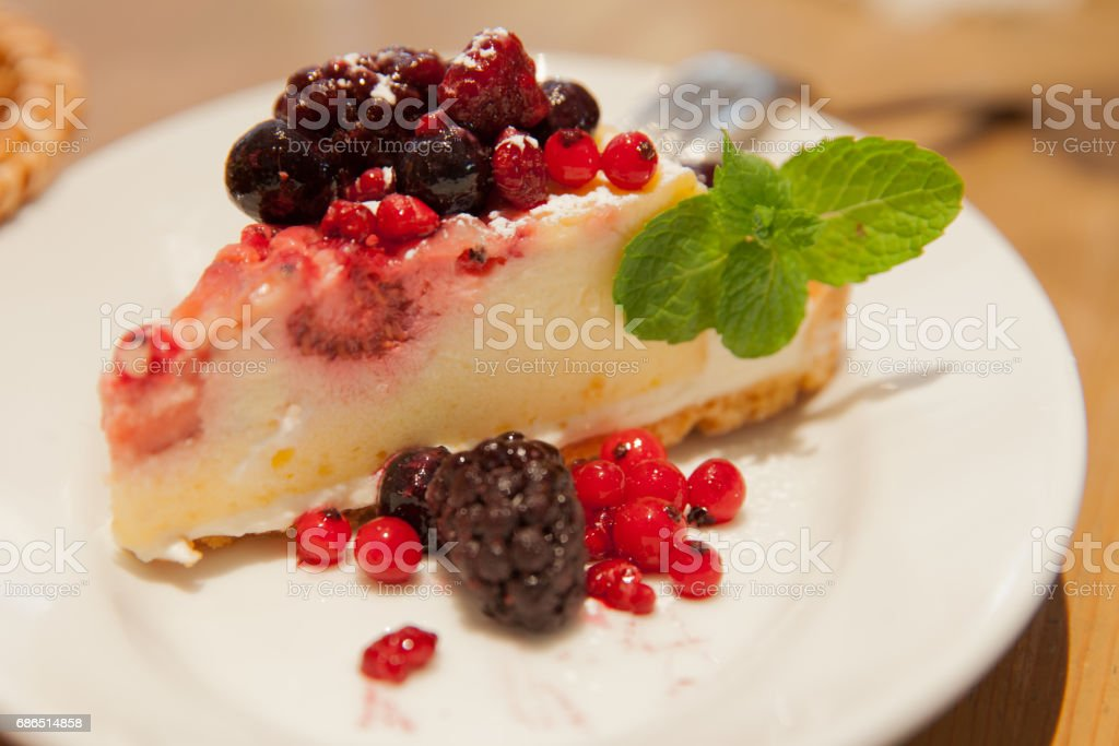 cake with berry fruit decolation foto stock royalty-free