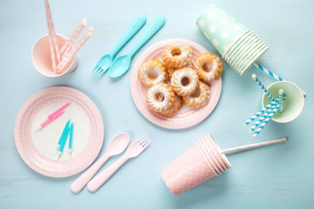 Kuchen und Tafeln. – Foto
