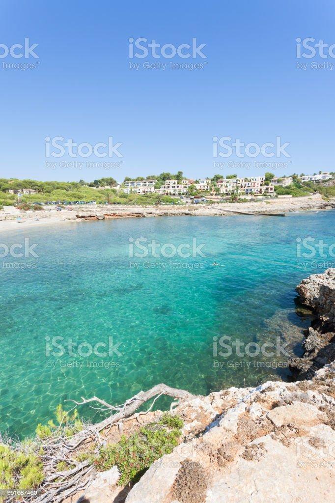 Cala Murada, Mallorca - ein Blick von einem Aussichtspunkt oberhalb der Küste von Cala Murada – Foto