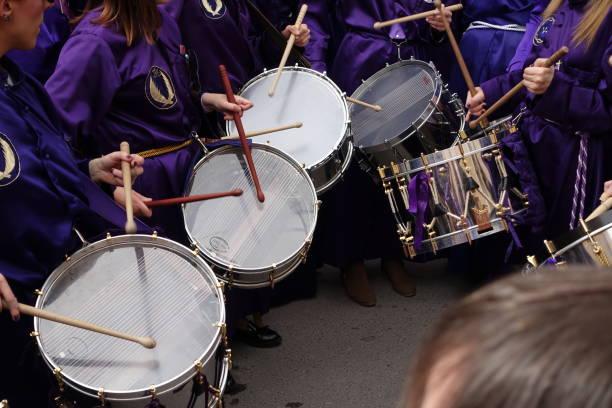 calanda aragon ruta del tambor procession semana santa påsk trummor spanien - easter procession spain bildbanksfoton och bilder