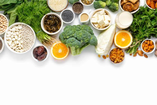 calcium vegetariërs top bekijken schoon eten van gezonde voeding - calcium stockfoto's en -beelden