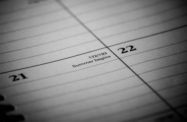kalender event: der sommer beginnt - 2020 2029 stock-fotos und bilder
