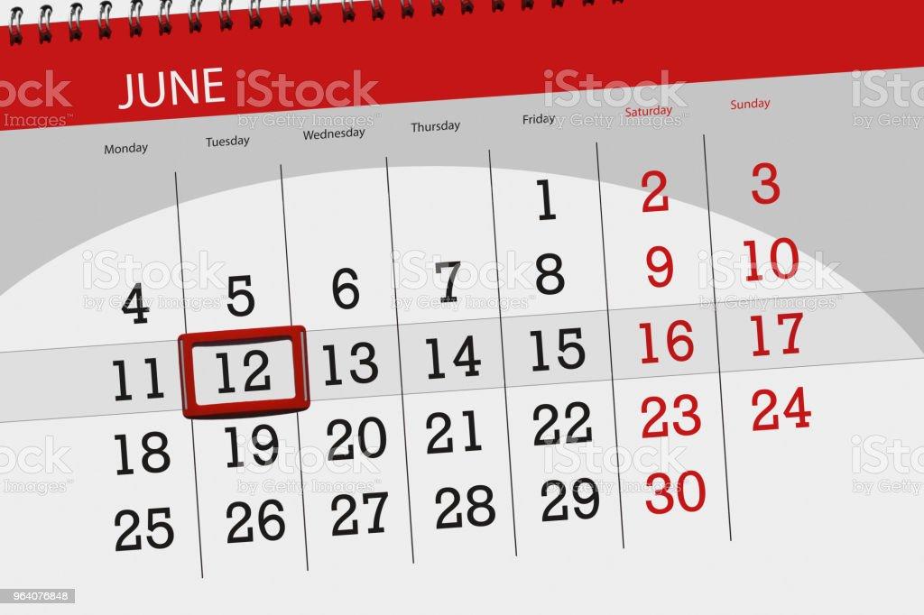 Planejador de calendário para o mês, dia de prazo final da semana, terça-feira, 12 de junho de 2018 - foto de acervo