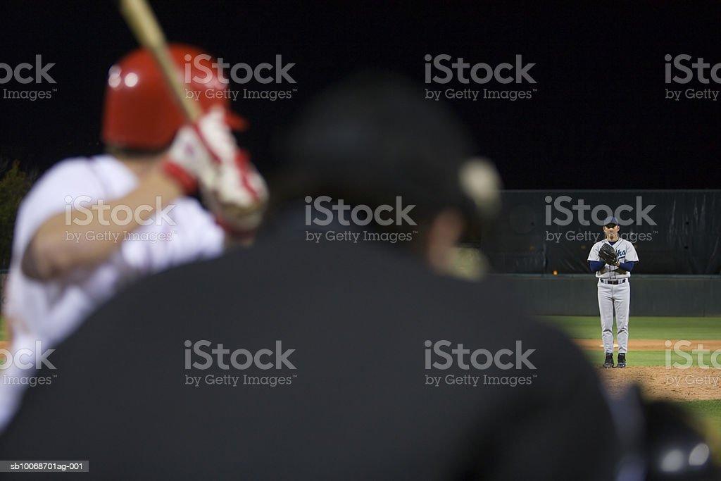 USA, California, San Bernardino, partido de béisbol, umpires vista de foto de stock libre de derechos