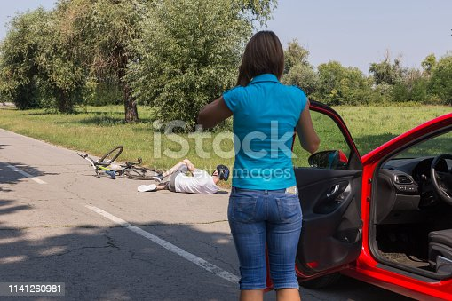 istock Calling for help after car accident 1141260981