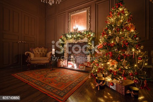 istock Calm image of interior Classic New Year Tree decorated in 625740650