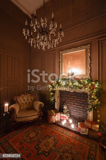 istock Calm image of interior Classic New Year Tree decorated in 625803234