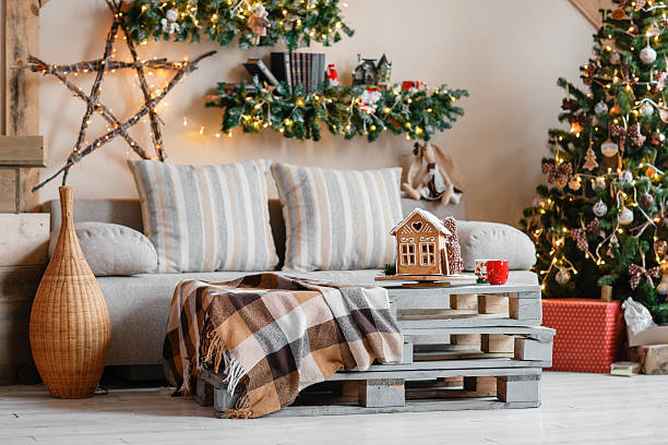 calm image of interior modern home living room decorated christmas - weihnachten haus dekoration stock-fotos und bilder