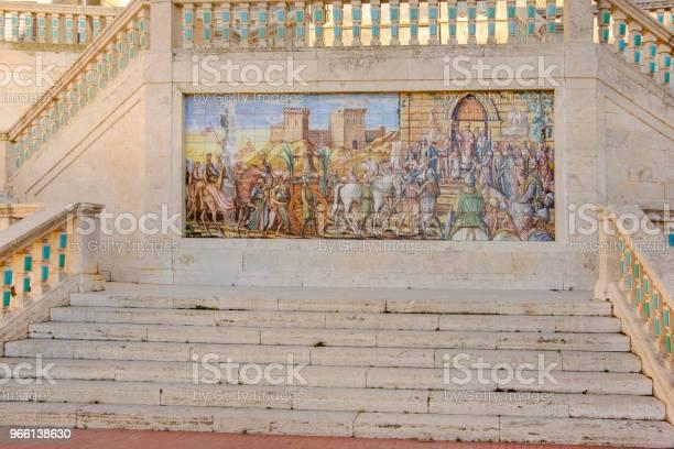Caltagirone Polykrom Majolika Panel-foton och fler bilder på Antik