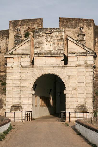 Calvario puerta, Olivenza, España - foto de stock