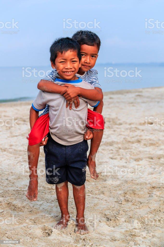 Jungs am strand kleine Kleine Jungs