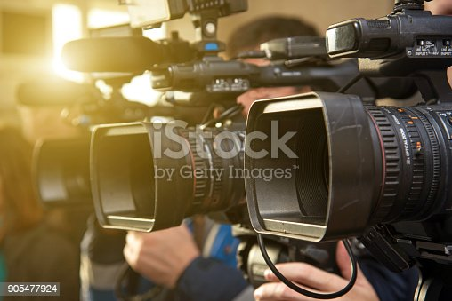 istock Camcorder lenses when shooting close-ups in the backlight 905477924
