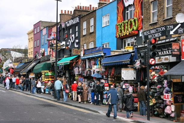 camden shopping - london themenzimmer stock-fotos und bilder