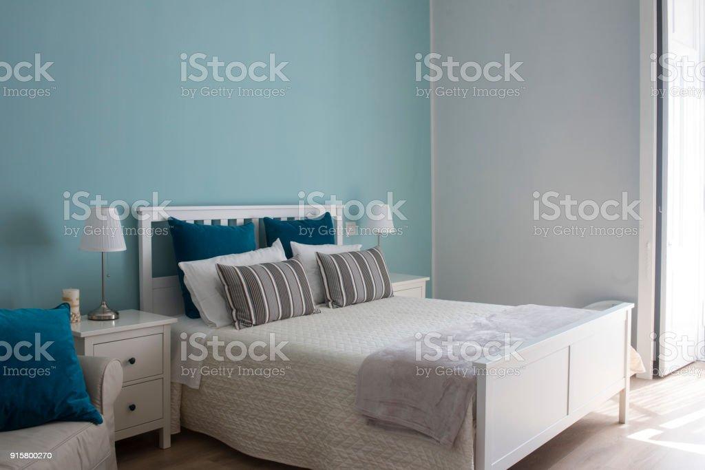 Camera da letto di un bed and breakfast - foto stock